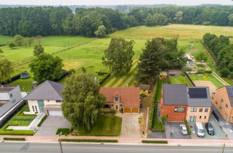 <h5>Drone photography</h5><p>client : www.huyzen.be																																			</p>